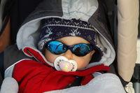 cooler Junge, Kind im Winter