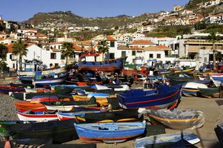 Portugal, Madeira, Fischerboote am Hafen von Camara de Lobos