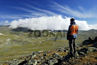hiker, wanderer, country ramble, stora sjoefallet national park, laponia, norrbotten, lapland, lappland, sweden, schweden, swedish lapland, europe, europa