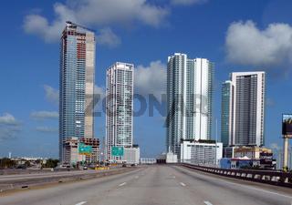 Highway durch Miami / Highway through Miami