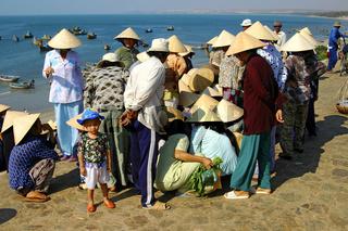 Fischerfrauen beim Handeln, Mui Ne, Viietnam
