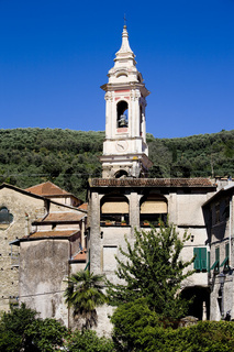 Kirchturm der Kirche San Tommaso in Dolcedo