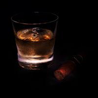 Whiskey mit Zigarre