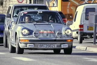 Rallye Monte-Carlo Historique, Porsche in traffic