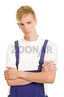 Junger Mann im Blaumann