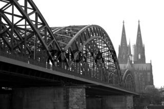 Köln - Hohenzollernbrücke und Dom