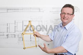 Architekt beim Hausbau