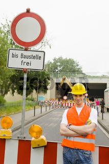 Verbotsschild vor Baustelle