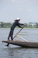 THAILAND PHAYAO LAKE WAT TILOKE ARAM ISLAND