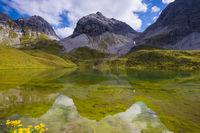 Rappensee, dahinter Hochgundspitze, 2459m, Allgäuer Alpen, Allgäu, Bayern, Deutschland, Europa