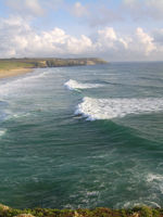 Wellenreiten in der Bretagne