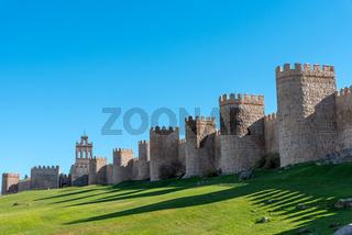 Die alte mittelalterliche Stadtmauer von Avila