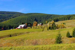 Kleinaupa und Bauden im Herbst im Riesengebirge - Mala Upa and mountain huts in autumn in Giant  Mountains, Bohemia