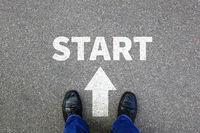 Start starten Anfang anfangen Businessman Business Konzept Job Karriere Motivation