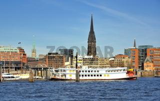 Hamburger Hafen und Michel
