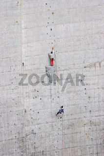 Klettern an der Staumauer