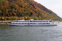 1 BA Personenschiff am Rhein.jpg