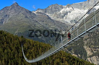 Charles Kuonen Hängebrücke, die längste Fussgänger-Hängebrücke der Welt, Randa, Wallis, Schweiz