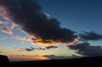 Himmel mit Wolken bei Sonnenaufgang