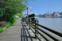 D--Ostfriesland--Leer--Promenade.jpg