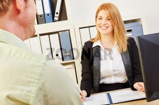 Verhandlung um Arbeitsplatz bei Bewerbung