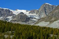 Berge und Gletscher bei Zermatt