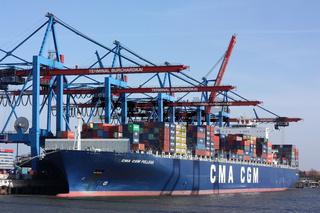 Der Containerriese CMA CMG Pelleas im Hamburger Hafen