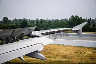 airplane wing details during landing