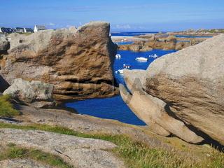 'Sich küssende' fischförmige Felsformationen,Tregastel Plage,Bretagne