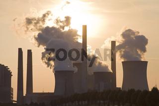 Kraftwerk Neurath im Sonnenuntergang, Deutschland