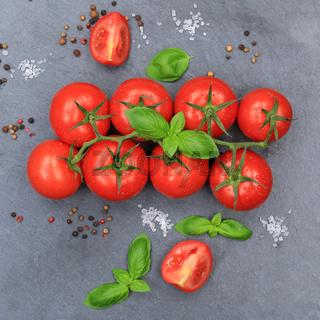 Tomaten Tomate rot Gemüse quadratisch Schiefertafel von oben