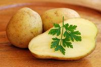 Kartoffeln und Petersilie