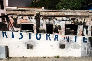 Verfallenes Restaurant in Argentiera bei Alghero, Sardinien