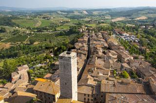 Panoramablick von Torre Grosso, dem höchsten Turm der Stadt San Gimignano, Toskana, Italien
