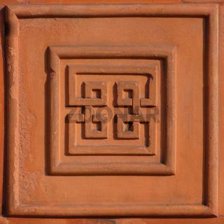 Mäanderkachel aus Terrakotta