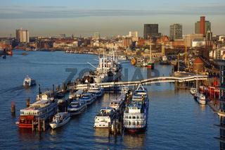 Hamburg in der Morgensonne