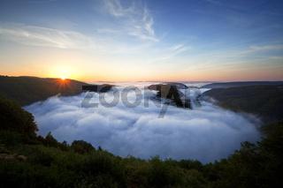 Sonnenaufgang, Saartal bei Mettlach, Saarland, Germany