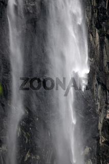 Wasserfall im Romsdal, Norwegen