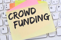 Crowd Funding Crowdfunding online Geld sammeln Internet Business Konzept Notizzettel