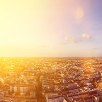 Berlin City Skyline an einem sonnigen Tag