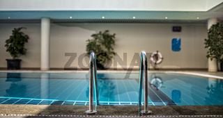 Treppe am Swimmingpool
