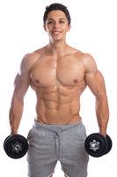 Bodybuilder Bodybuilding Muskeln Training Fitness lachen Hanteln Mann stark muskulös jung Freisteller
