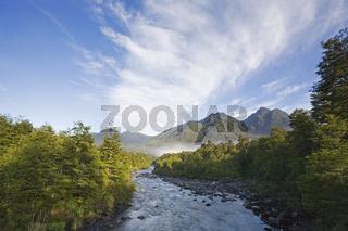 Fluss im Park Pumalin, Patagonien, Carretera Austral, Chile, Patagonia, river on Park Pumalin, Carretera Austral, Chile