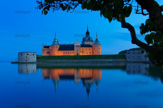 Kalmar Castle at night