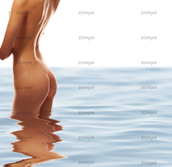 picture of naked girl torso in water