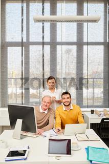 Team macht einen Computer Workshop