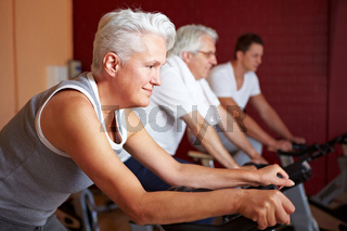 Spinning-Kurs im Fitnesscenter