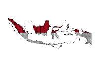 Karte und Fahne von Indonesien auf verwittertem Holz - Map and flag of Indonesia on weathered wood