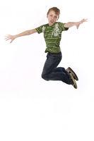 junge springt hoch wd725