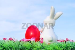 Osterhase auf Blumenwiese - easter bunny on flower meadow 02